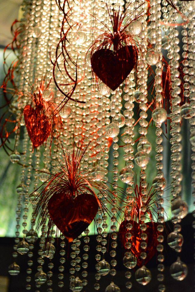 chandelier-detail