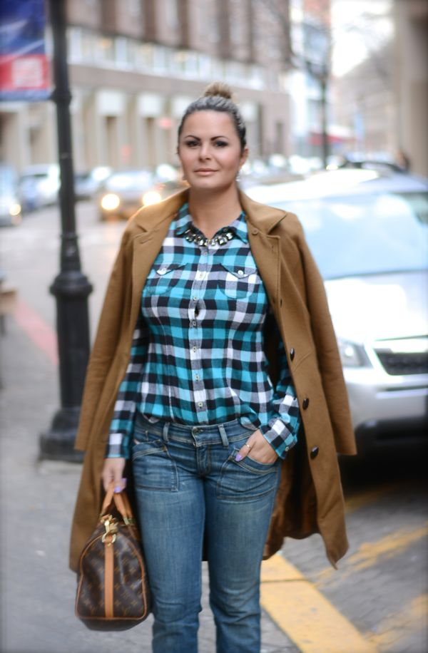 camisa xadrez no inverno, chic com xadrez, estilo bohemio, boho chic, winter outfit, look in nyc , fashionista, blue plaid shirt