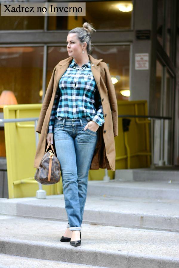 Plaid shirt, wearing plaid shirt with wool coat, camisa xadrez no inverno, look chic com camisa xadrez, street style,